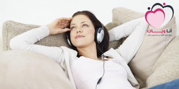 برج-العقرب-دائما-يستمع-للموسيقى-625x312